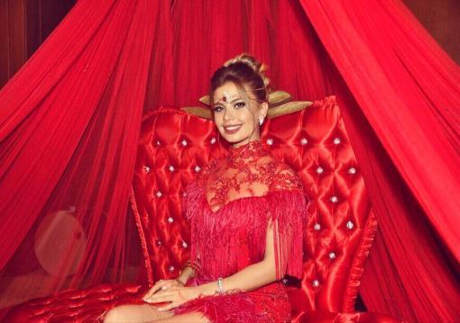 Elif Şimal Kiralık Kırmızı Kına Elbisesi