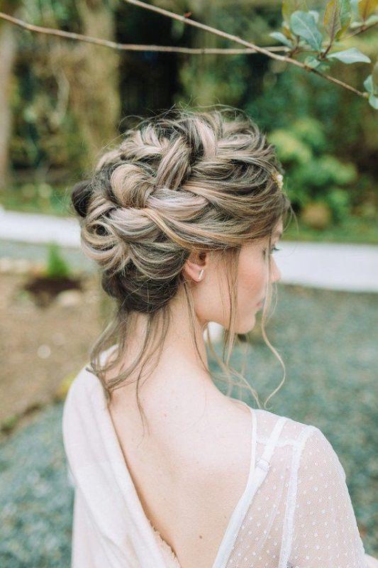 Gelin Saçı Modelleri ve Gelinlik Kiralama