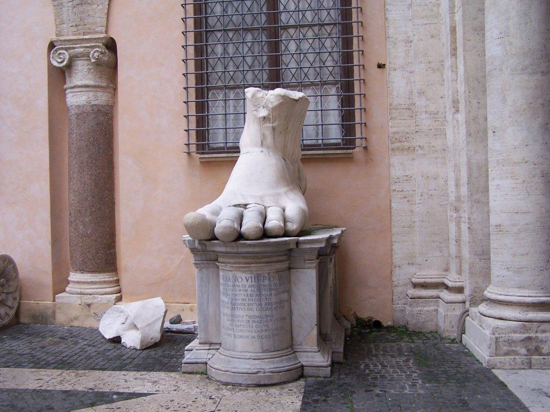 Y un pie - Roma