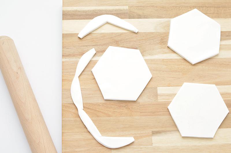 DIY | Bonitos posavasos personalizados de terrazo - El blog de Laucreativa
