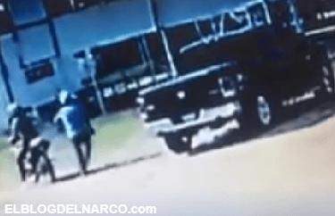 Así es como sicarios en moto ejecutan a líder empresarial en Parral, Chihuahua (VÍDEO)