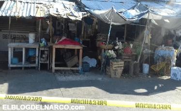 Ejecutan a 2 hombres y a una mujer en el mercado central de Acapulco