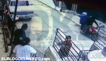 El momento en que el periodista mexicano Mario Gómez fue acribillado por sicarios en Chiapas
