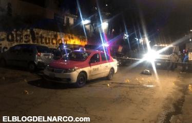 Acribillan a 2 hombres dentro de un taxi en CDMX