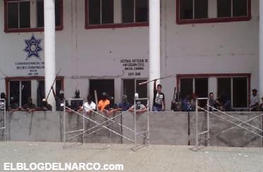 Un grupo armado irrumpió en una municipalidad de Chiapas para impedir que asumiera el nuevo alcalde