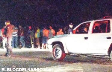 Vídeo, Comando embosca camioneta, se reporta al menos un muerto y varios heridos de Gravedad