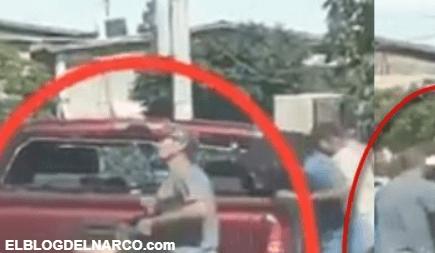 Captan en vídeo a ciudadanos rapiñando camioneta de Sicarios muertos en Sonora
