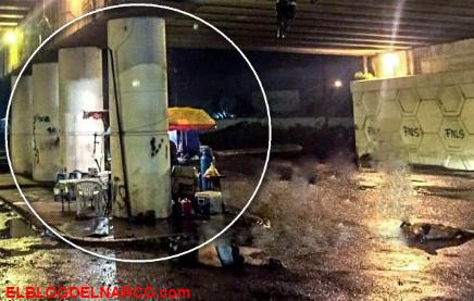 Un Puesto De Hamburguesas Abierto con Cadáveres Colgando En Michoacan