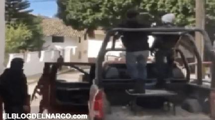 El Cártel de Sinaloa muestra armas en calles mientras autoridades mexicanas callan (VÍDEO)