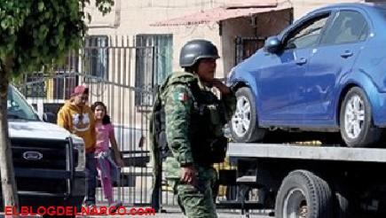 Persiguen y ejecutan a policías municipales en Edomex