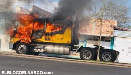 VÍDEO Queman negocios y bloquean carreteras en Guanajuato tras detención de presuntos narcos