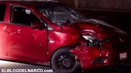 """Ejecutan a 2 jóvenes """"de carro a carro"""" sobre la México-15, al sur de Culiacán, Sinaloa"""