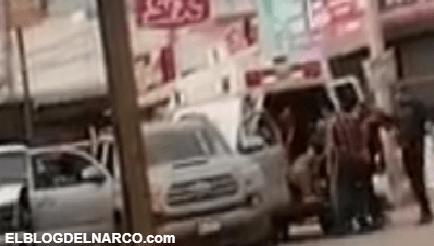 Fueron grabados cuando interceptaron una ambulancia privada y suben a varios heridos