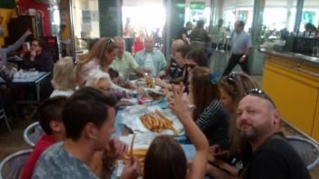 Huelva Mercado del Carmen Desayunando Churros