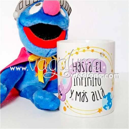 taza_hasta_el_infinito_y_mas_alla_regalos_con_encanto_divertidos_vagalume_designs_1web