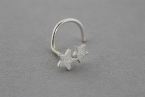 Silver nose stud