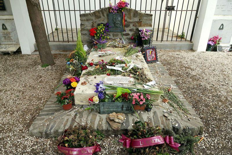Tumba del poeta Antonio Machado en Francia