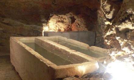 Historia de Ibiza. Música funeraria en Puig des Molins