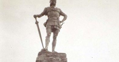 Estatua - vikingos