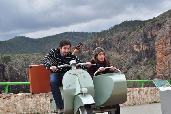 Lo mejor es una moto; una moto con sidecar, para ver mundo.