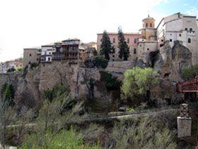 Cuenca - casas colgadas desde el paseo del Huercal