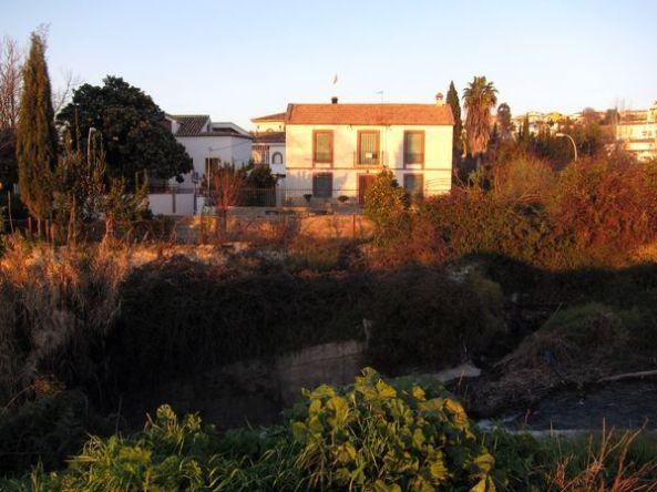 Una casita con patio