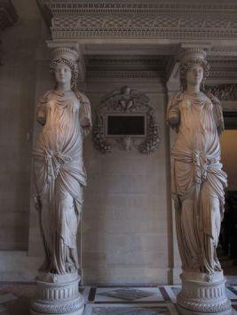 Cariatides. Museo del Louvre. Planta Baja