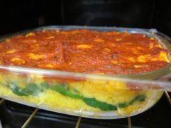 Pastel de polenta con espinacas