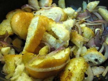 sopa-de-pan-y-cebolla
