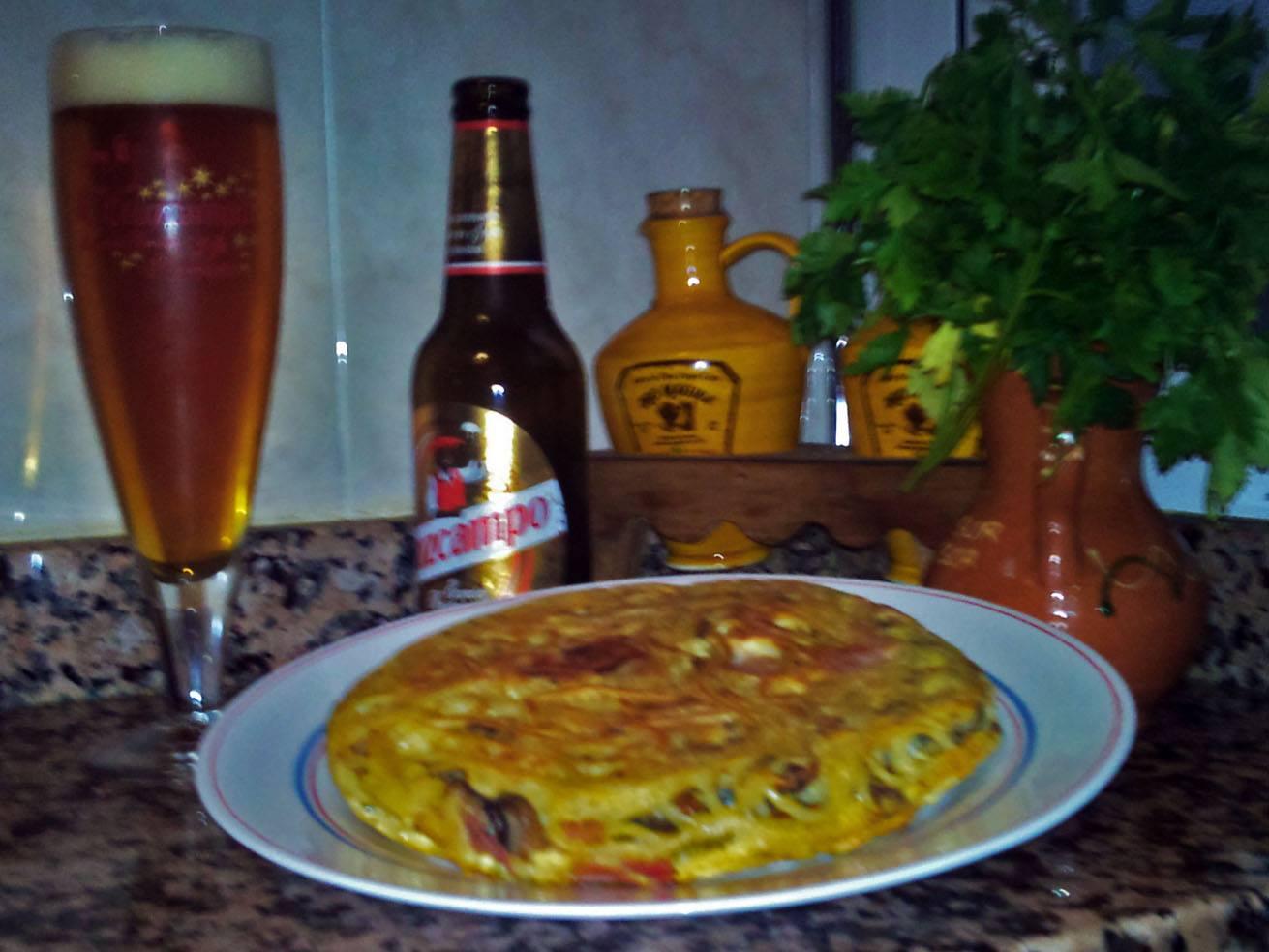 Tortilla-de-spaguetis-champiñones-y-york