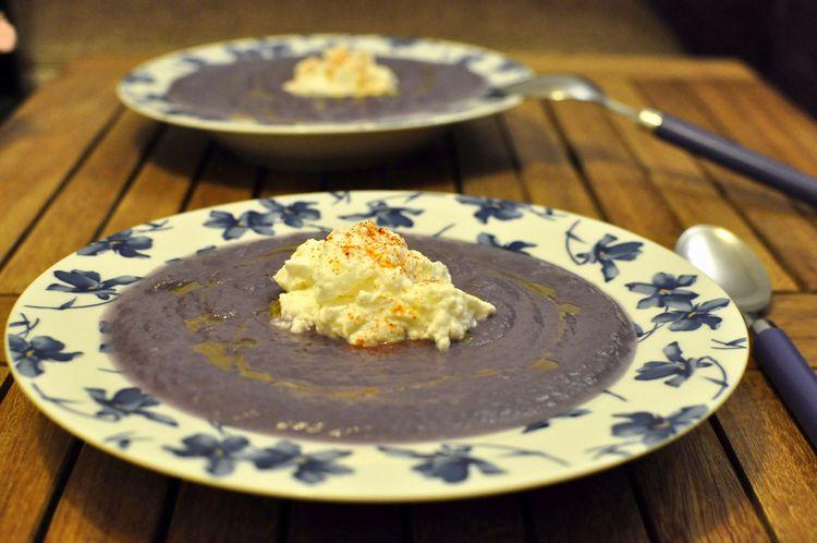 crema de col lombarda con queso ricotta