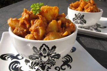 Se trata de un plato muy especiado con un sabor cítrico bastante característico.