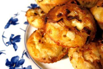 magdalenas-de-cebolla-y-queso-de-cabra-