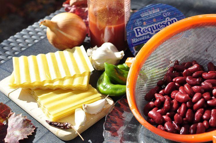 Lasaña vegetariana de alubias rojas y ricotta