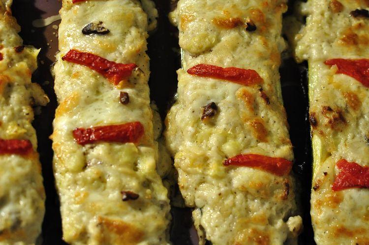 calabacines con salsa de nueces y queso el caldero viajero