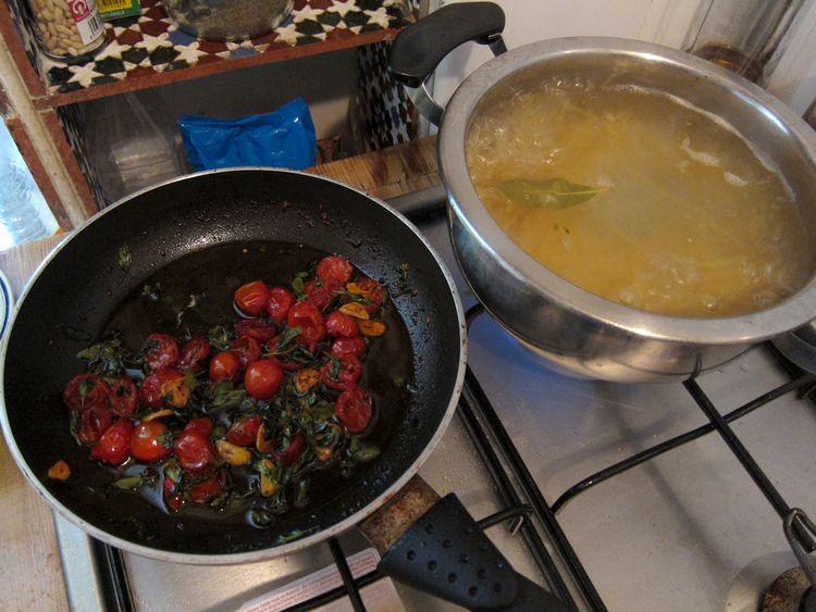 tallarines-con-rucula-mozarella-y-cherries-caramelizados-06