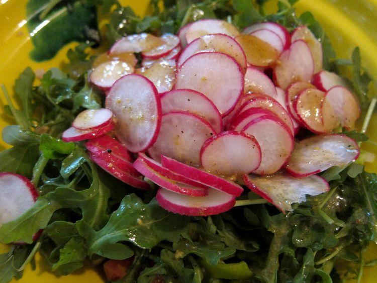 ensalada-de-alubias-blancas-con-rabanitos-y-rucula-07