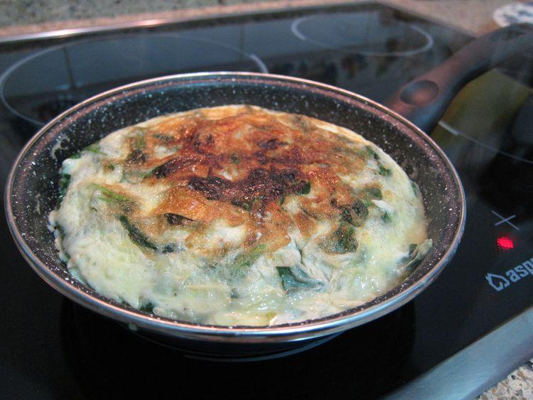 tortilla-de-canonigos-y-queso-brie-06