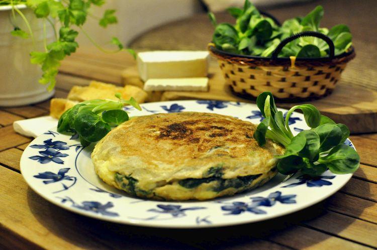 tortilla-de-canonigos-y-queso-brie-08