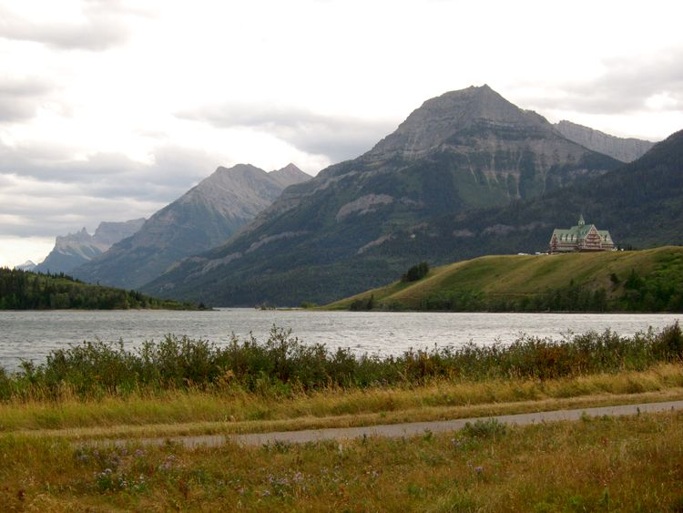 canada-16-waterton-lakes-16