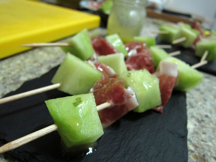brochetas-melon-con-jamon-05