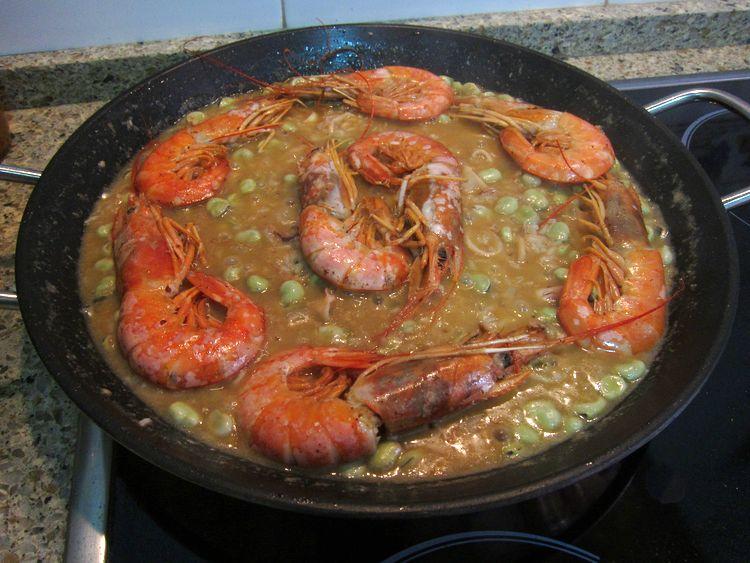 arroz-con-calamares-gambones-y-habas-08