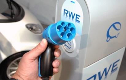 Сборы за ввоз электромобилей хотят отменить на три года