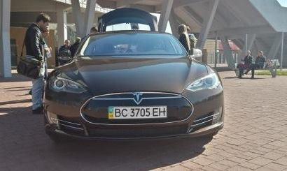 Украинский рекорд скорости на TESLA Model S