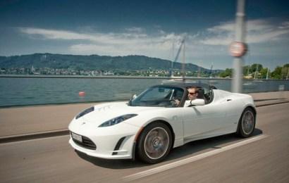 650 километров без подзарядки – новый рекорд электромобиля Tesla Roadster