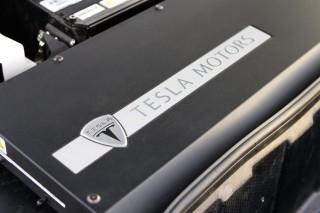 Полет над Tesla Gigafactory