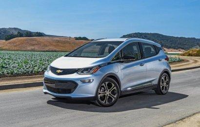 Электромобиль Chevrolet Bolt признан «Автомобилем года» на автосалоне в Детройте