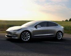 Tesla лидирует среди автопроизводителей