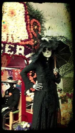 0001-xochimilco-woman-dod13