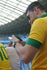 """Maravilla"" Martínez con la camiseta de Brasil"